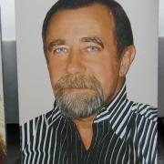 Цветной портрет мужчины на граните, размер 30 х 40 см., стоимость портрета 3 тыс. грн., изготовление портретов в Киеве 10 дней.