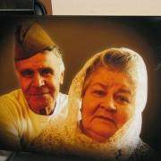 Цветной портрет для двоих на камне. Размеры портрета 40 х 60 см. Цена цветного портрета для памятника 4 тыс. грн. Заказать портрет для двоих на камне, можно в офисе ЧП Прядко в Киеве. Срок изготовления цветного портрета 10 дней.