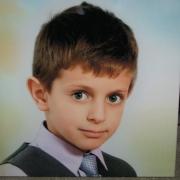 Цветной детский портрет на памятник, размер портрета на камне 40 х 40 см., стоимость цветного портрета для ребёнка 3 тыс. грн., гарантия на портрет 20 лет.