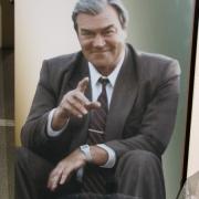 Цветной портрет на памятнике. Фото мужчины на граните, размер цветного портрета 50 х 70 см., цена цветного портрета на памятнике 5 тыс. грн. заказать портрет для памятника, можно в офисе ЧП Прядко в Киеве сегодня.