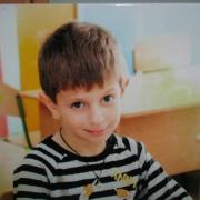 Цветной портрет мальчика на камне, размеры портрета 40 х 40 см., изготовление портрета на камне 10 дней,  гарантия на цветной портрет 20 лет.