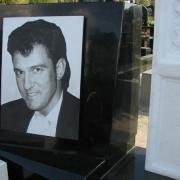 Чёрно-белый портрет на граните для памятника, размер 30 х 40 см., стоимость портрета 3 тыс. грн.