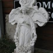 Фото реставрации скульптуры ангела из мрамора. Изготовление скульптуры ангела с крестом фото. Ангел с крестом перед реставрацией в мраморе фото.