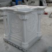 На фото пьедестал для мраморного памятника. Изготовление качественных деталей памятников в Киеве. Цена на детали памятников согласно проекта.