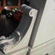 На фото резные детали памятника класса Люкс. Доступные цены на детали памятников ВИП класса.