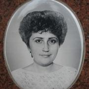 Фарфоровый овал на памятник. Фото овала в размере 13 х 18 см. Цена медальона на памятник 500 грн. Производство овалов на памятники в Киеве.