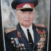 Цветной портрет военного на керамике; фото в размере 30 х 40 см. Цена цветного  портрета для памятника 1600 грн.