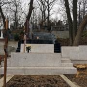 Цоколь из белого гранита на заказ. Размеры цоколя на могилу - согласно проекта памятника.