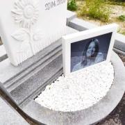 Цоколь из гранита. Фото гранитного цоколя на могиле.