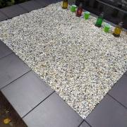 Оформление могилы мраморной крошкой.  Купить мраморную крошку для кладбища, можно со склада ЧП Прядко в Киеве.