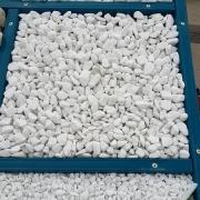 Мраморная крошка для могилы. Фото белой крошки для могилы.