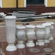 Фото мраморной вазы; высота мраморной вазы 30 см.; изготовление ваз из белого мрамора в Киеве под заказ; цена мраморной вазы $100.