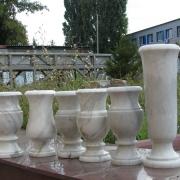 Фото мраморной вазы; производство ваз из мрамора в Киеве; цена мраморной вазы $100.