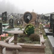 Столы на кладбище, лавки