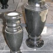 Фото вазы из гранита. Размер вазы для памятника: 30 см., 40 см. Цена вазы из гранита - доступная.